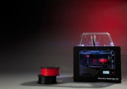 MakerBot_Replicator2X_high_31